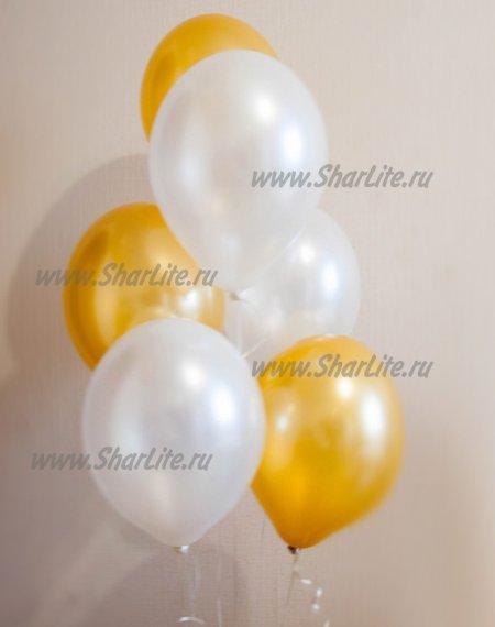 Воздушные шары золотые и белые